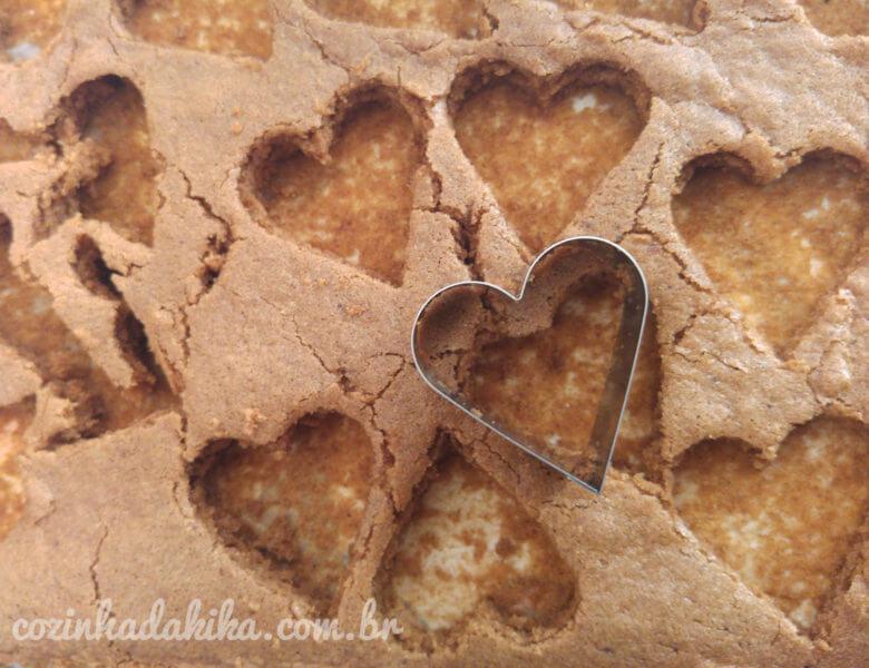 Montagem do bolo de coração