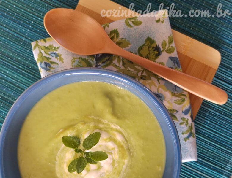 Receita de Sopa Cremosa de Ervilhas Frescas